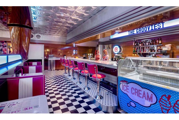 retro 50s diner Groovy_Diner_Tonsberg_S10