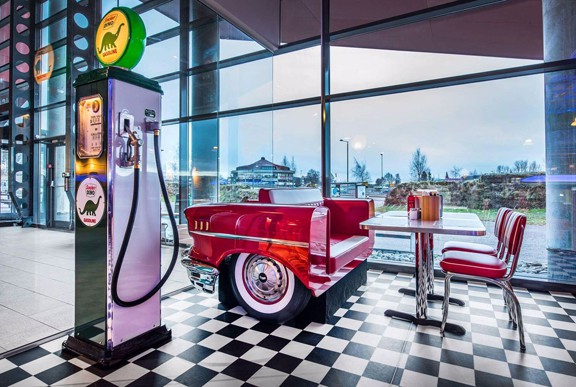 retro 50s diner Groovy_Diner_Tonsberg_S2