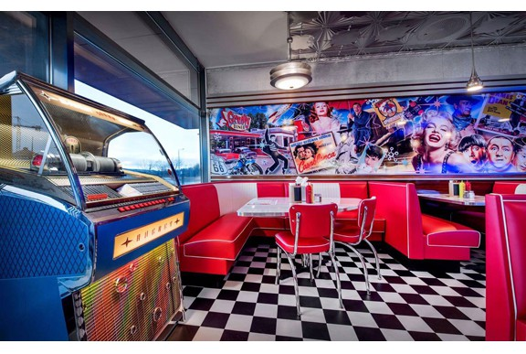 retro 50s diner Groovy_Diner_Tonsberg_S4