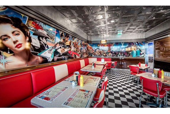 retro 50s diner Groovy_Diner_Tonsberg_S8