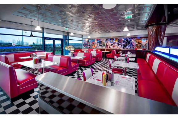 retro 50s diner Groovy_Diner_Tonsberg_S9